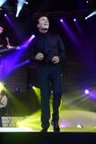 Tony Carreira sur l'étape, concert de musique, projecteurs Photos stock