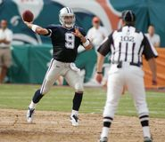 Tony Romo nell'azione del NFL fotografia stock