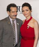 Tony Shalhoub und Katrina Lenk lizenzfreie stockfotos
