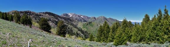 Tooele看法从Oquirrh山的沿Wasatch由Kennecott里约Tinto铜矿朝向落矶山,看  免版税库存照片