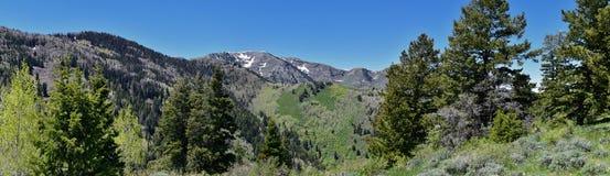 Tooele看法从Oquirrh山的沿Wasatch由Kennecott里约Tinto铜矿朝向落矶山,看  库存图片