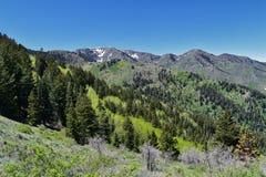 Tooele看法从Oquirrh山的沿Wasatch由Kennecott里约Tinto铜矿朝向落矶山,看  库存照片