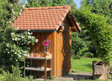 Tool shed in the garden Royalty Free Stock Photos