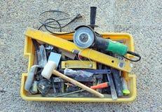 Toolbox wanordelijk van een metselaar stock fotografie