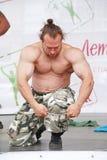 Toon de groep atletisch Petersburg kampioen, meester van sporten Dmitry Klimov stock afbeelding