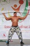 Toon de groep atletisch Petersburg kampioen, meester van sporten Sergei Sebald Royalty-vrije Stock Afbeeldingen