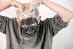 Toon zuivere emoties niet een masker stock foto's