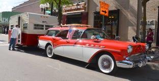 1957 toont Buick Caballero bij Rolling Beeldhouwwerk 2013 Stock Fotografie