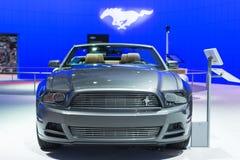 Toont de convertibele auto van Ford Mustang op vertoning bij La Auto. Royalty-vrije Stock Afbeeldingen