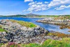 Toormore fjärdshoreline, länet korkar, Irland Arkivbild