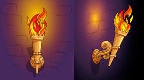 Toortsen met het branden van brand, het overladen decor, nacht stock afbeeldingen