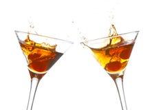 Toost met cocktail twee glasse Royalty-vrije Stock Afbeeldingen