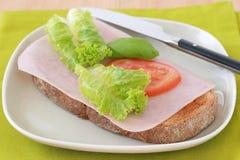 Toost met ham en tomaat royalty-vrije stock afbeelding