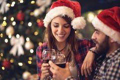 Toost in Nieuwe Year's-Vooravond royalty-vrije stock afbeeldingen