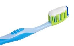 Toothbrush com pasta de dente Fotografia de Stock Royalty Free