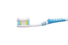 Toothbrush con dentifricio in pasta Immagini Stock Libere da Diritti