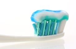 Toothbrush con dentifricio in pasta Immagine Stock Libera da Diritti