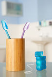Toothbrushes e floss dental Fotos de Stock Royalty Free