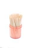 Toothpicks en un envase de plástico rosado Fotografía de archivo