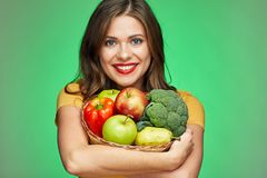 Toothy het glimlachen het stromand van de vrouwenholding met gezond voedsel stock afbeeldingen