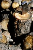 topór się głowa drewna Fotografia Royalty Free