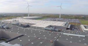 Top aéreo abajo del tejado de la fábrica de BMW de la visión en Alemania metrajes