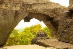 Top de la cabeza y del arco de Buddhas Imagenes de archivo