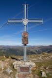 Top de la cruz de la cumbre de Pfannock del soporte Imágenes de archivo libres de regalías
