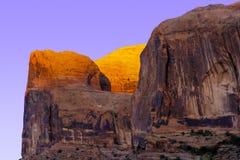 Top de la montaña en la oscuridad Foto de archivo libre de regalías