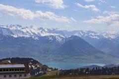 Top de Rigi Kulm Lucerna Suiza con Mountain View de la nieve de las montañas imagenes de archivo