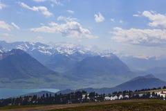Top de Rigi Kulm Lucerna Suiza con Mountain View de la nieve de las montañas imagen de archivo