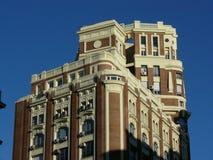 Top de un edificio histórico en de Madrid la ciudad abajo Imagenes de archivo