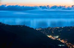 Top del mundo, Laguna en el crepúsculo Foto de archivo libre de regalías