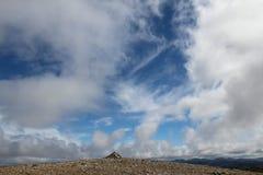 Top del munro de Beinn Mhanach Fotos de archivo