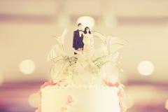 Top del pastel de bodas Fotografía de archivo libre de regalías
