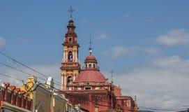 Top del San Francisco Cathedral en Salta imagen de archivo libre de regalías