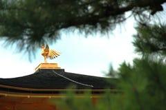 Top del tejado del templo de Kinkakuji Imagen de archivo libre de regalías