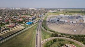 Top down luchtmening van het viaduct ringway van de vervoersweg, rotonde stock afbeeldingen