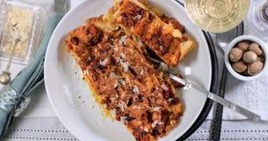 Top down mening van heerlijke lasagna in bolognese saus Royalty-vrije Stock Fotografie