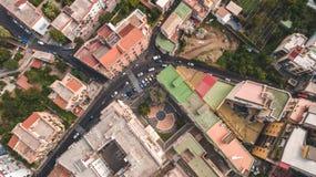 Top down Satellietbeeld van de stad van Sorrento, Meta, Pianokust, Italië, straat van bergen oude stad, toerismeconcept stock afbeelding