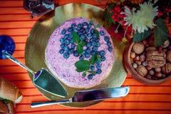 Top-down van de ongebruikelijke cake van de bosbessenroom Royalty-vrije Stock Afbeeldingen