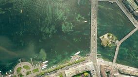 Top a?reo abajo de la vista del ?rea de la orilla del lago de Ginebra, Suiza almacen de video