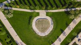 Top a?reo vertical abajo del tiro de la visi?n y mirada abajo en el parque de la ciudad en Krasnodar, Rusia fotografía de archivo
