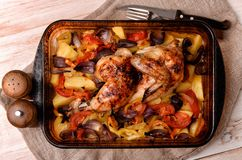 Baked chicken and vegetables Royalty Free Stock Photos