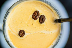 Top view cup of coffee decorated with coffee beans Royalty Free Stock Photos