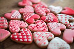 Free Top View Homemade Gingerbread Valentine`s Day With Inscription - Love, Cookies Heart Shapes Decorated With Colored Royal Royalty Free Stock Photography - 204830707