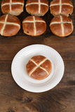 Top view hot cross bun on plate Royalty Free Stock Photos