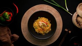 Free Top View Of Schezwan Noodles Or Chow Mein With Vegetable, Chicken And Chilli Sauce Stock Photo - 176562640