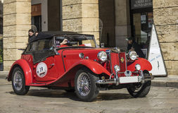 Topdown kruisertd open tweepersoonsauto 1952 Mg lecce Royalty-vrije Stock Afbeelding