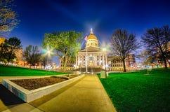Topeka Kansas céntrico en la noche Fotografía de archivo